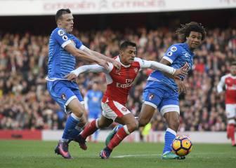 Alexis Sánchez, con dos goles, le da la victoria al Arsenal