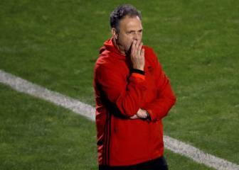 Vuelve Caparrós y Barral pide perdón; la Copa, desplazada