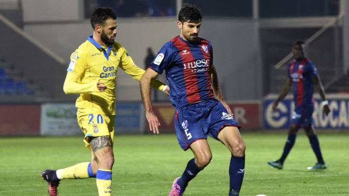 Camacho y Aguilera igualan los dos goles de Las Palmas