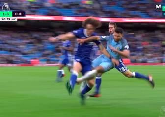 El City no supo perder: terrible entrada del Kun a David Luiz y Fernandinho agredió a Cesc