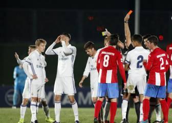El Castilla salva un punto con nueve ante el Navalcarnero