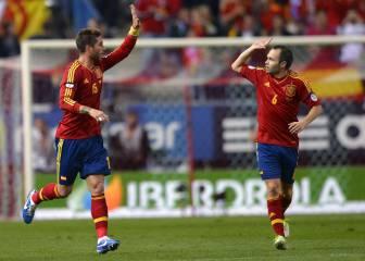 Iniesta y Ramos, capitanes del Clásico de la cordialidad