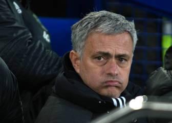 Mourinho sigue en caída libre y él tira de ironía: