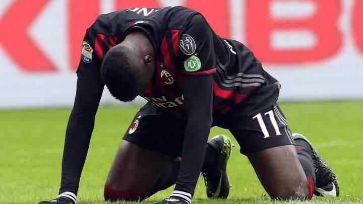 Niang se encara contra la afición del Milán tras ser abucheado