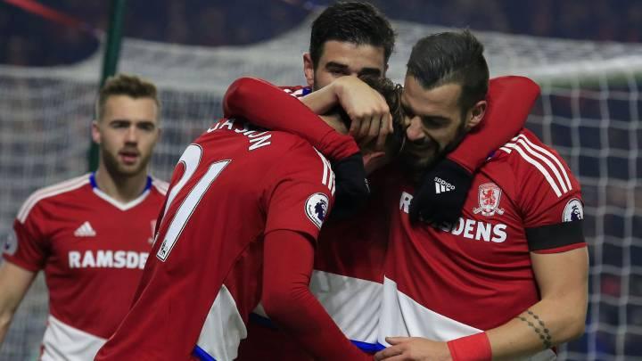 Los del Middlesbrough celebran el gol de Gastón.