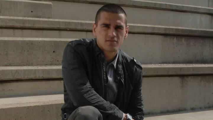 Juanito durante una entrevista.