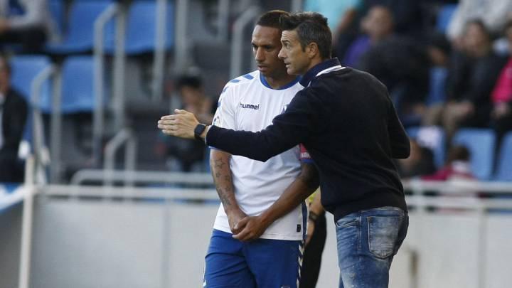 Martí da instrucciones con el Tenerife.