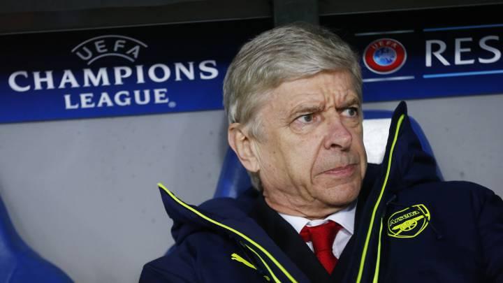 El entrenador del Arsenal, Arsene Wenger, durante un partido de Champions League.