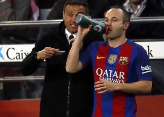 Luis Enrique repite ritual de mimos con Iniesta