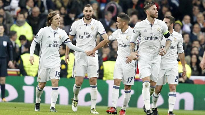 Varios jugadores del Real Madrid celebran su gol ante el Borussia Dortmund en la Champions League.