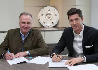 Lewandowski extends Bayern contract through to 2021