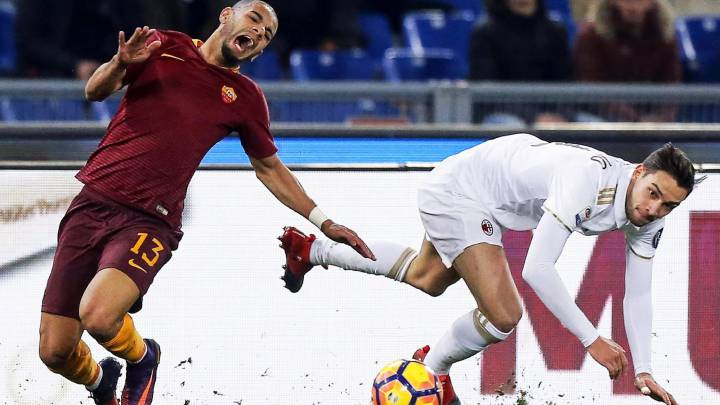 El brasileño Bruno Peres del Roma, lesionado del tobillo