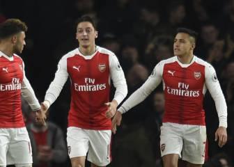 Henry critica las exigencias de renovación de Özil y Alexis