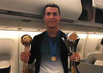 El Madrid aterrizó en Barajas como nuevo campeón del mundo