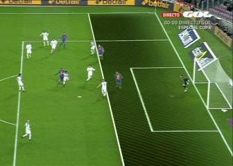 Digne adelantó al Barça contra el Hércules en fuera de juego