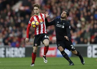Un doblete de Defoe deja al Liverpool sin los tres puntos