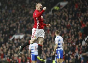 Rooney iguala a Charlton como máximo goleador del United