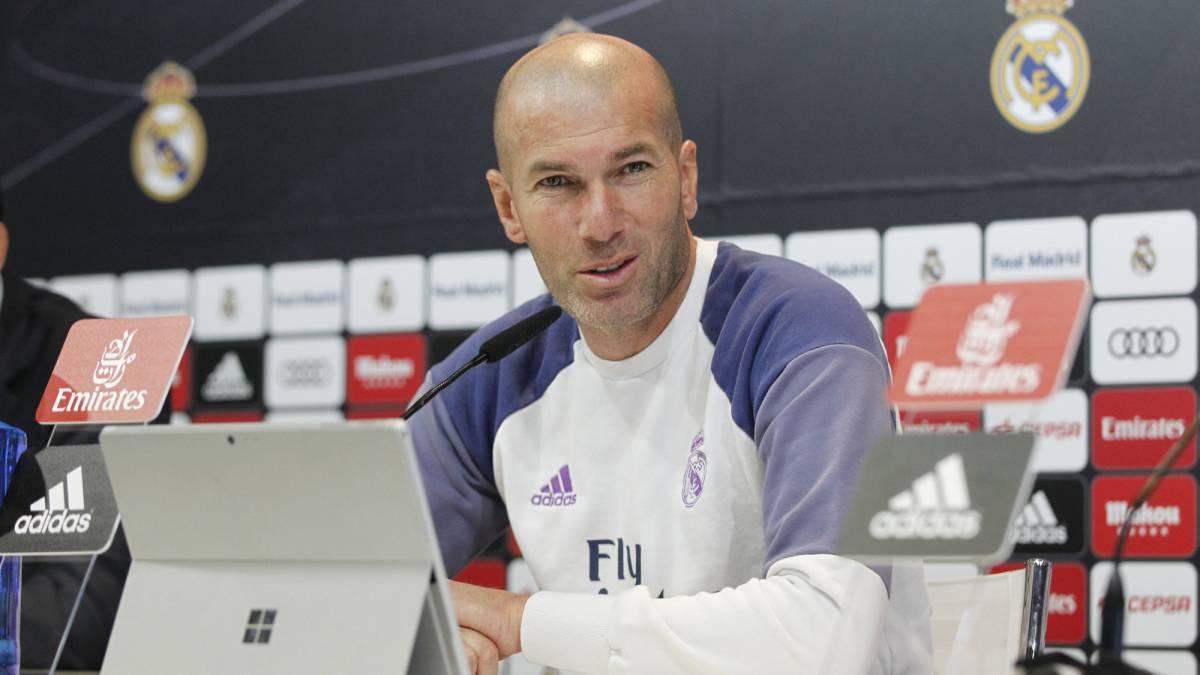 Zidane: James se resintió en el sóleo, no arriesgaremos