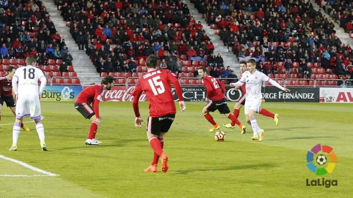 El Mirandés sigue en descenso y es goleado por el Numancia