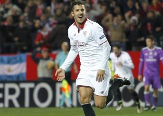 Jovetic cae de pie en Sevilla: