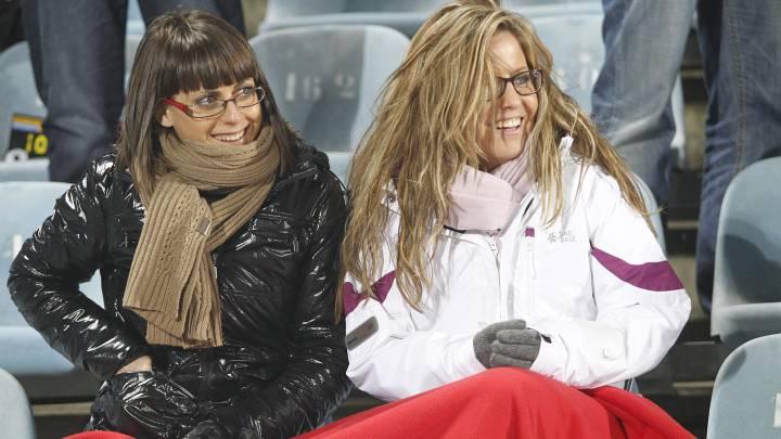 Los aficionados tendrán que combatir esta noche el frió en el Bernabéu.