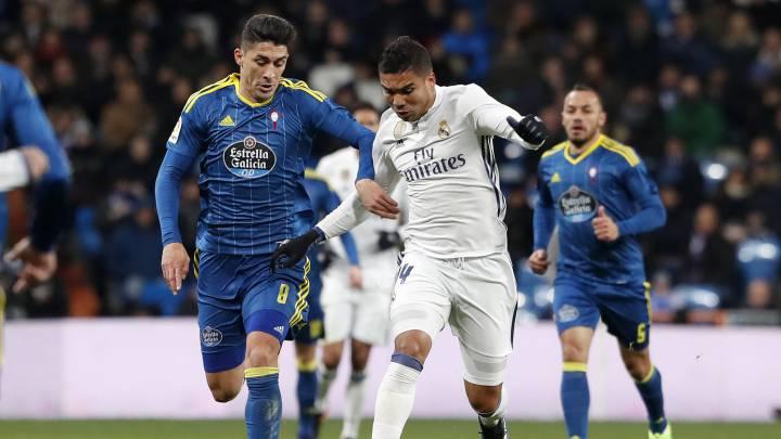 Pablo Hernández y Casemiro durante el partido de Copa en el Bernabéu