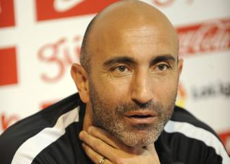 Abelardo writes off €4m as coach leaves Sporting Gijón