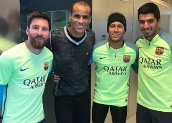 Rivaldo visita a la MSN en el entrenamiento del Barcelona