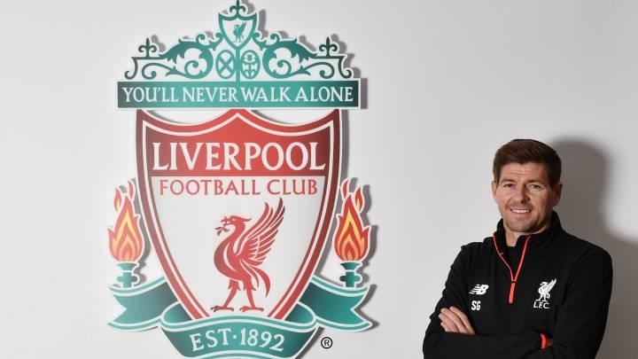 El inglés Steven Gerrard, presentado en su regreso con el Liverpool.