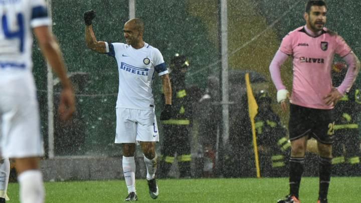 Un gol de Joao Mario mete al Inter en puestos europeos