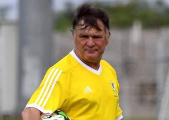 José Antonio Camacho resiste ante la presión de Ali Bongo
