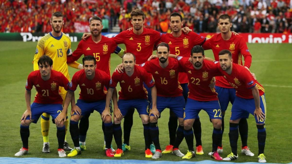 El Ayuntamiento de Barcelona niega que haya pedido un partido de la Selección