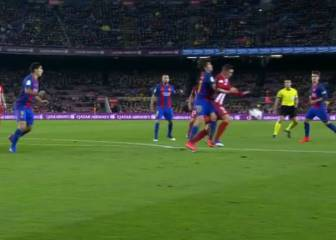 Atleti claim penalty for Sergi Roberto push on Torres