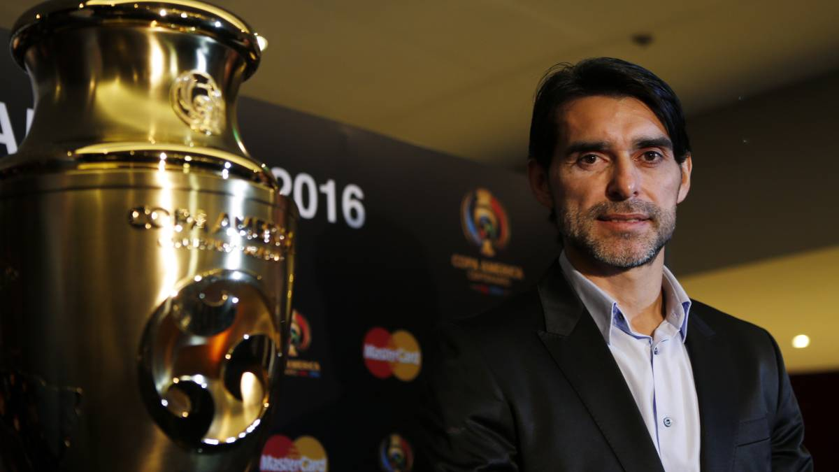 "Roberto Ayala: ""Pep Guardiola's Barcelona have damaged football"""