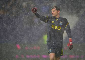 Casillas could decide future this weekend, triggering clause in contract