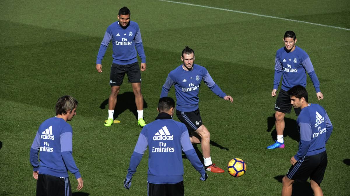 Real Madrid Consigue la camiseta de tu equipo favorito en AS.com ... f5529c51a71cf
