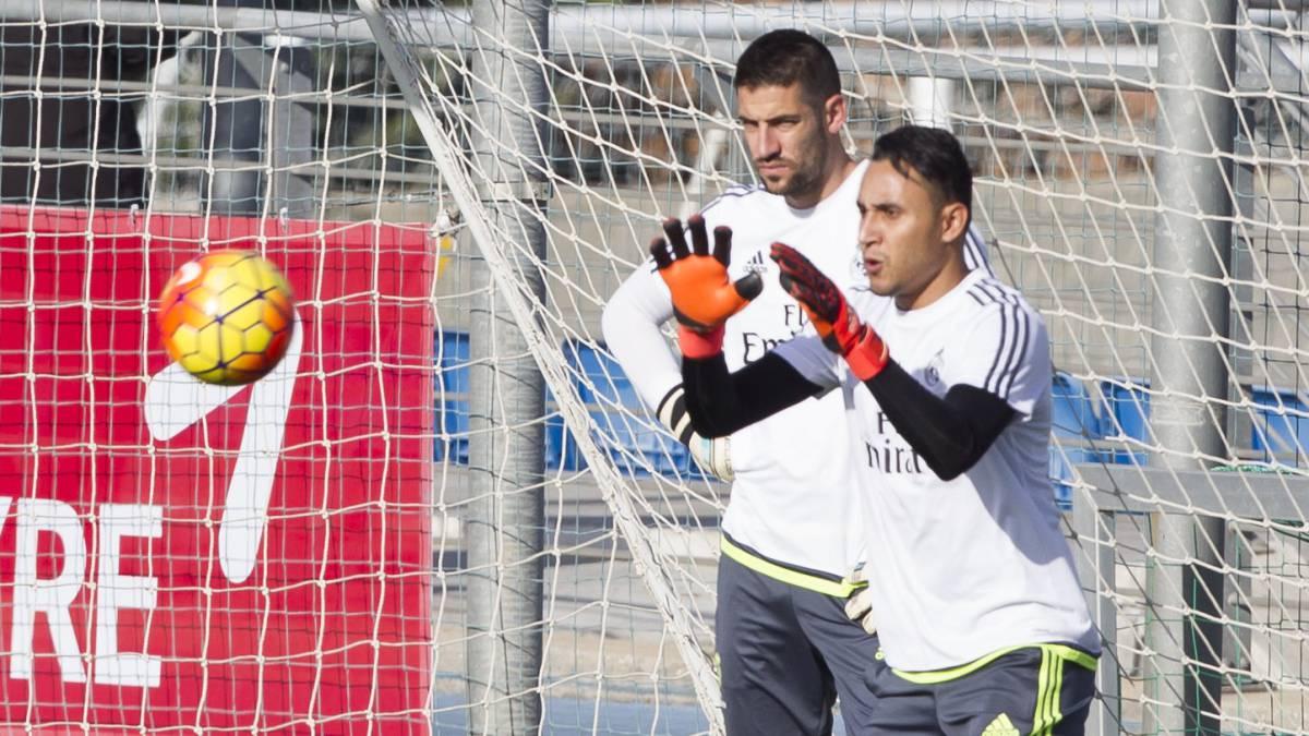 """Zidane sale en defensa de Keylor: """"Confío en él y ya está..."""""""