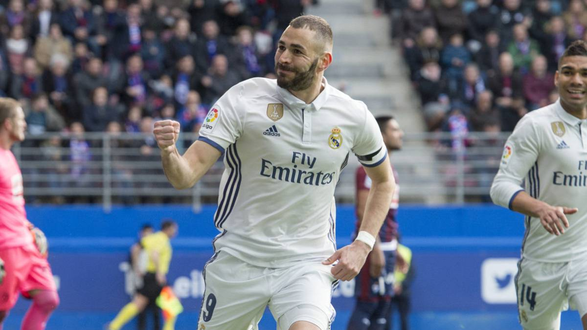 Karim Benzema drives Real Madrid to win over Eibar