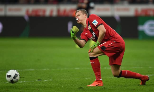 Bernd Leno durante un partido con el Bayer Leverkusen.