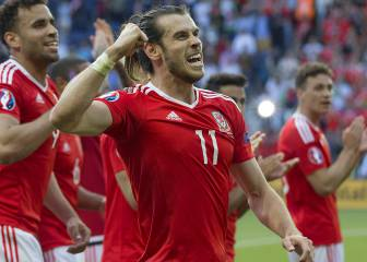Gareth Bale in Wales squad to face Ireland