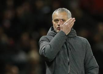 Mourinho: United wrong to sell Di Maria and Chicharito