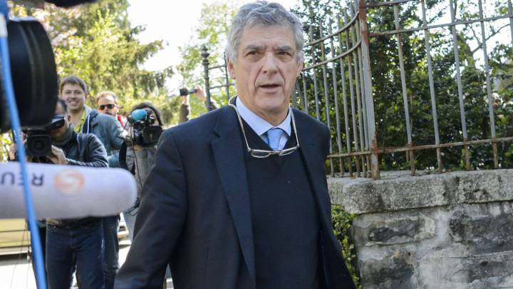 UEFA acting president Angel Maria Villar leaves the Court of Arbitration for Sport for the appleal of Michel Platini\'s against his six-year FIFA ban for ethics violations on April 29, 2016 in Lausanne.