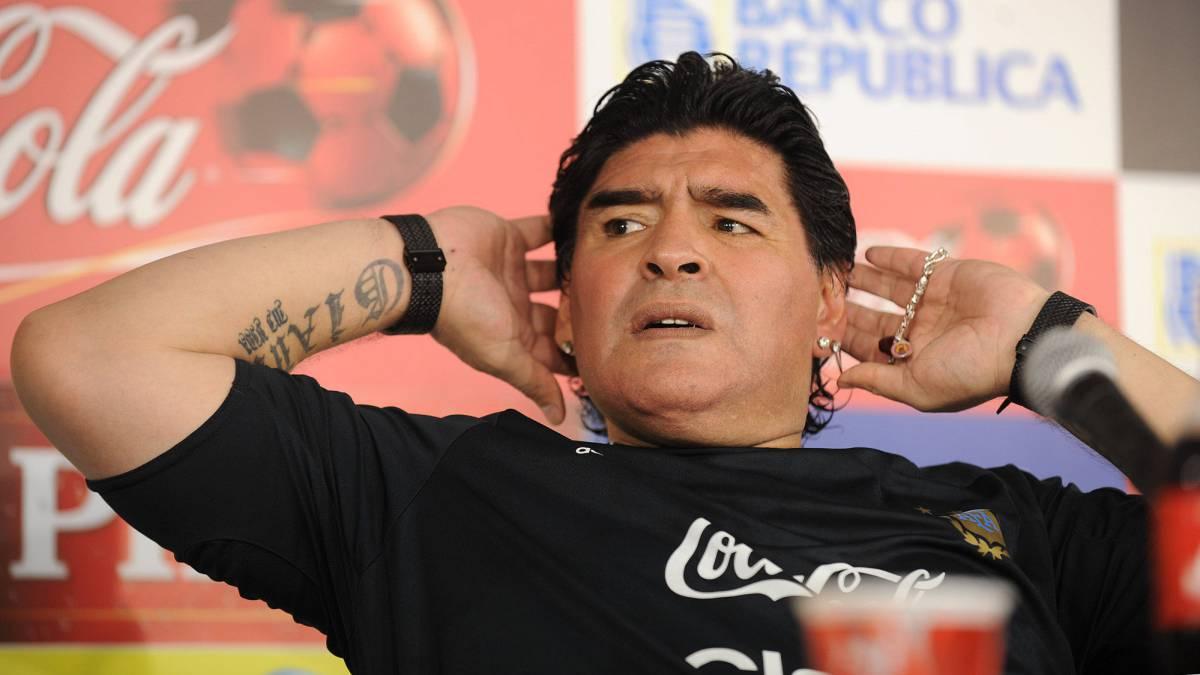 """Maradona defiende a la FIFA: """"Messi puteó al árbitro..."""" - AS.com"""
