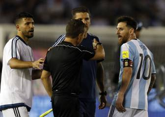 Messi denies insulting assistant: 'I said it to the air'