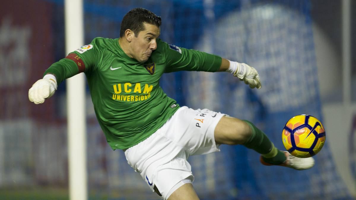 Biel Ribas, portero del UCAM Murcia sancionado con cuatro partidos por un puñetazo a un jugador del Mirandés
