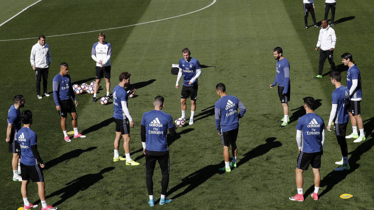 Zidane trains with a full squad except for Varane ahead of Atletico Madrid clash