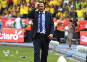 Chile coach Pizzi quashes talk of taking over at Barcelona