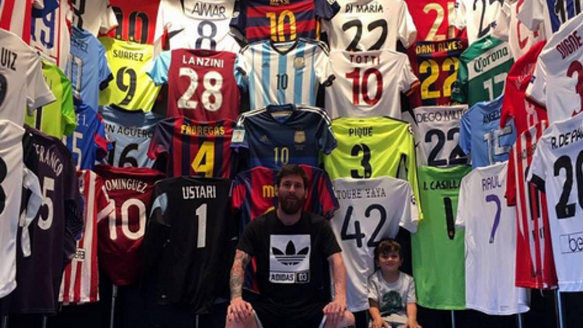 Las historias sorprendentes del museo de camisetas de Messi - AS ... 5b602c37060d2