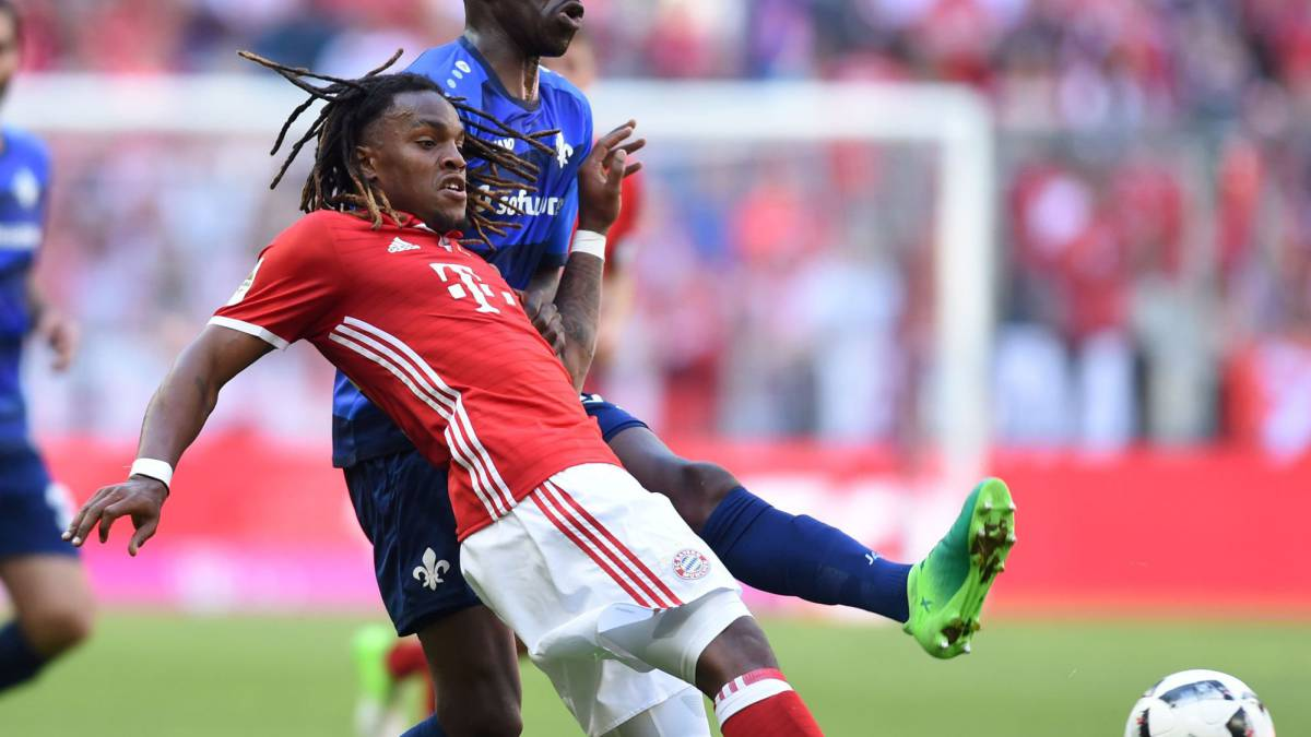 Renato Sanches Bayern open to sale with Man United circling AS