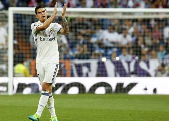 Betting suspended on James signing for Man United